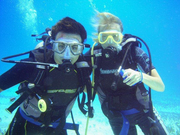 Couple taking part in Scuba Diving in Dubai