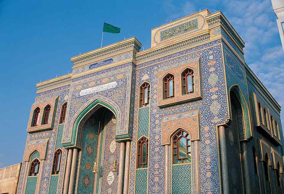 Iranian-Mosque-Imam-Hossein-Mosque-in-Bur-Dubai