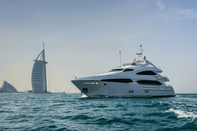 Yacht Cruises in Dubai