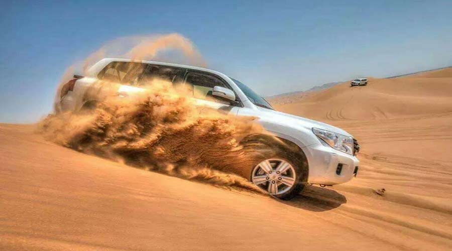Dubai desert safari images and pictures of Dune Bashing