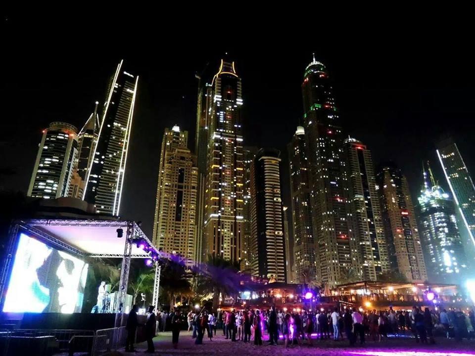 Dubai night life photos of Barasti Beach