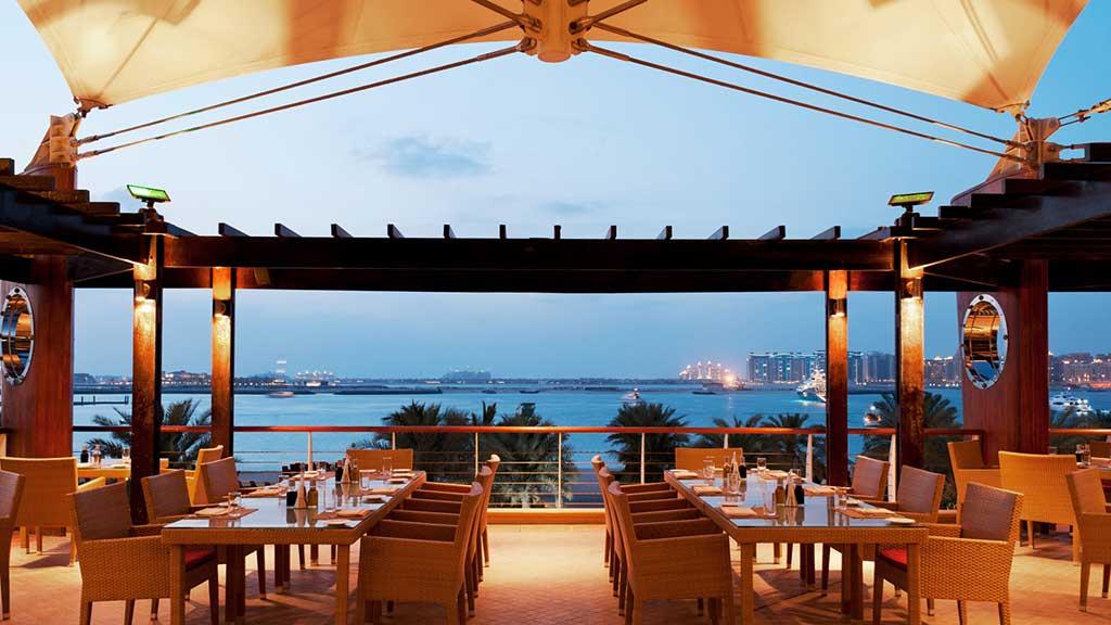 Majlis Al Bahar Restaurant in Dubai