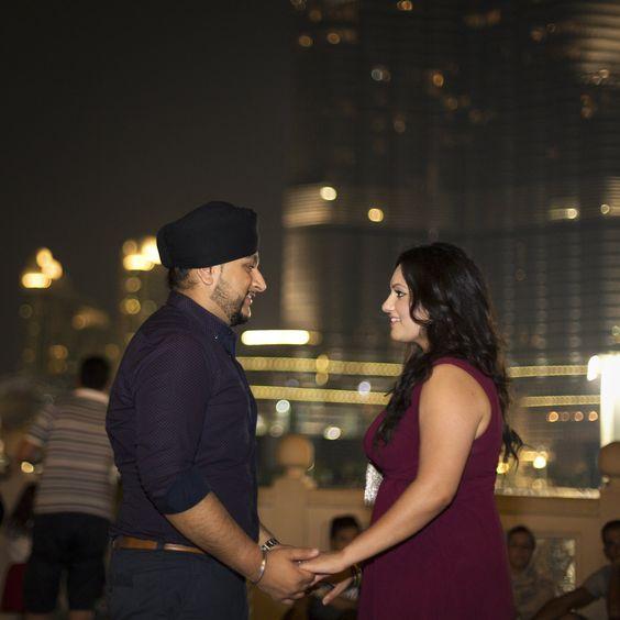 Romantic Couple Proposing at the Burj Khalifa