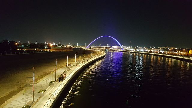 Tourist seeing the view of Dubai water canal