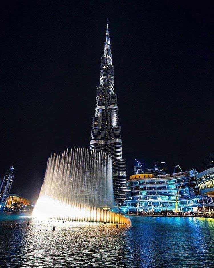 Dubai night life photos of Burj khalifa