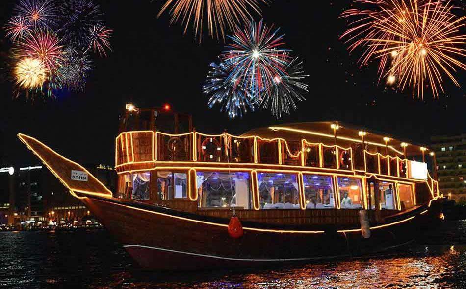 Dubai-New-Year-Eve-at-Dhow-Cruise